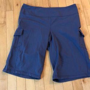Athleta cargo soft knit shorts